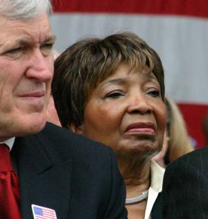 Congresswoman Eddie Bernice Johnson, right, and Dallas Mayor Tom Leppert
