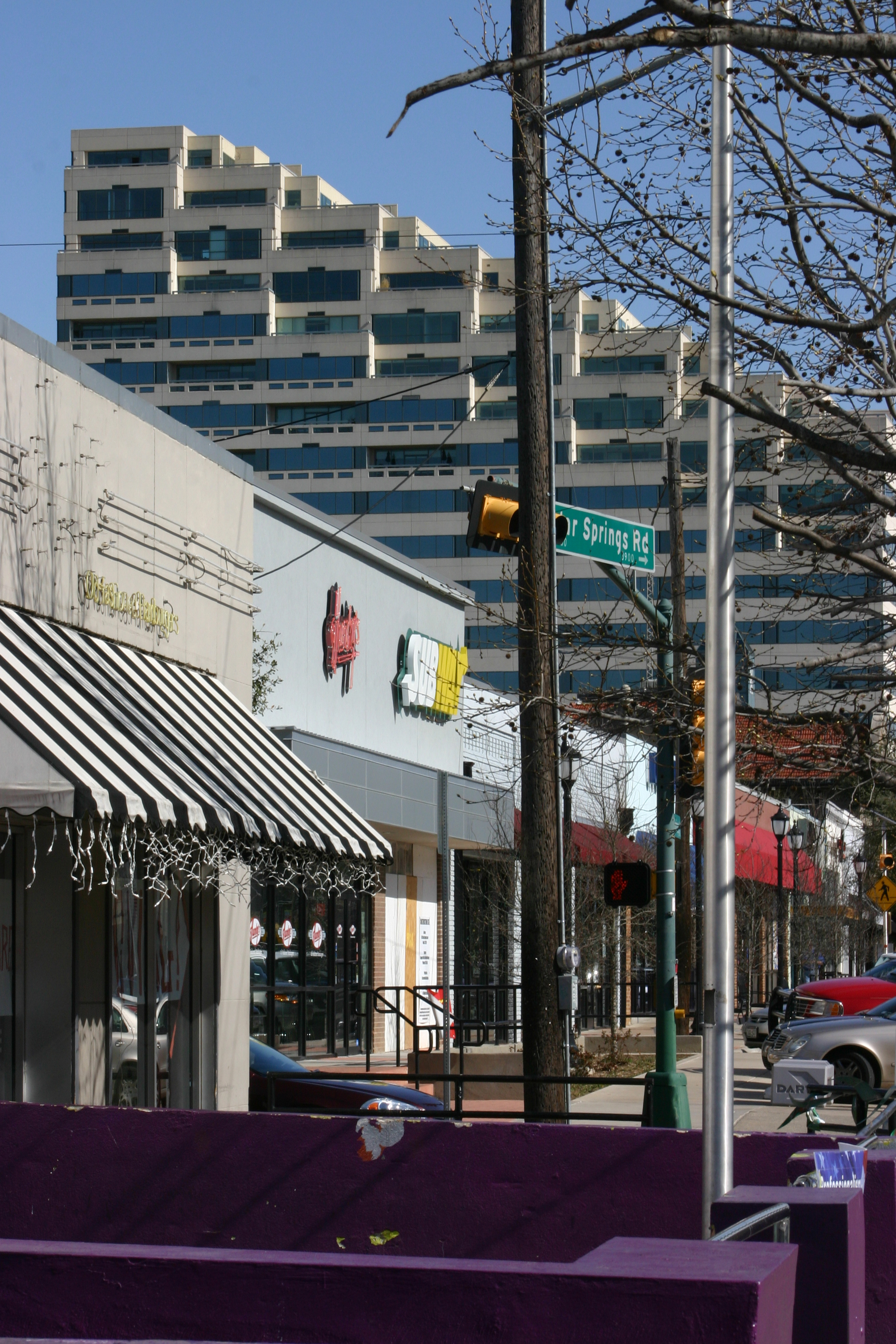 Proposal to limit bar hours along Lower Greenville could also affect Oak Lawn