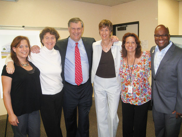 Mayor-Rawlings-visits-Center-0312-013
