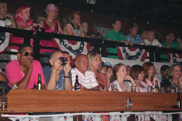 10-crowd