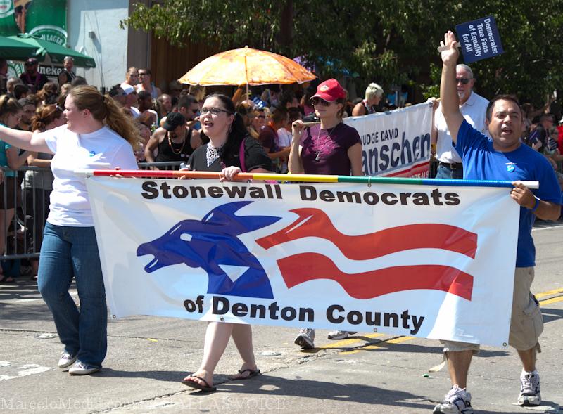 Pride2011a-96