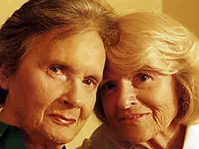 Old Vs Milf Lesbian