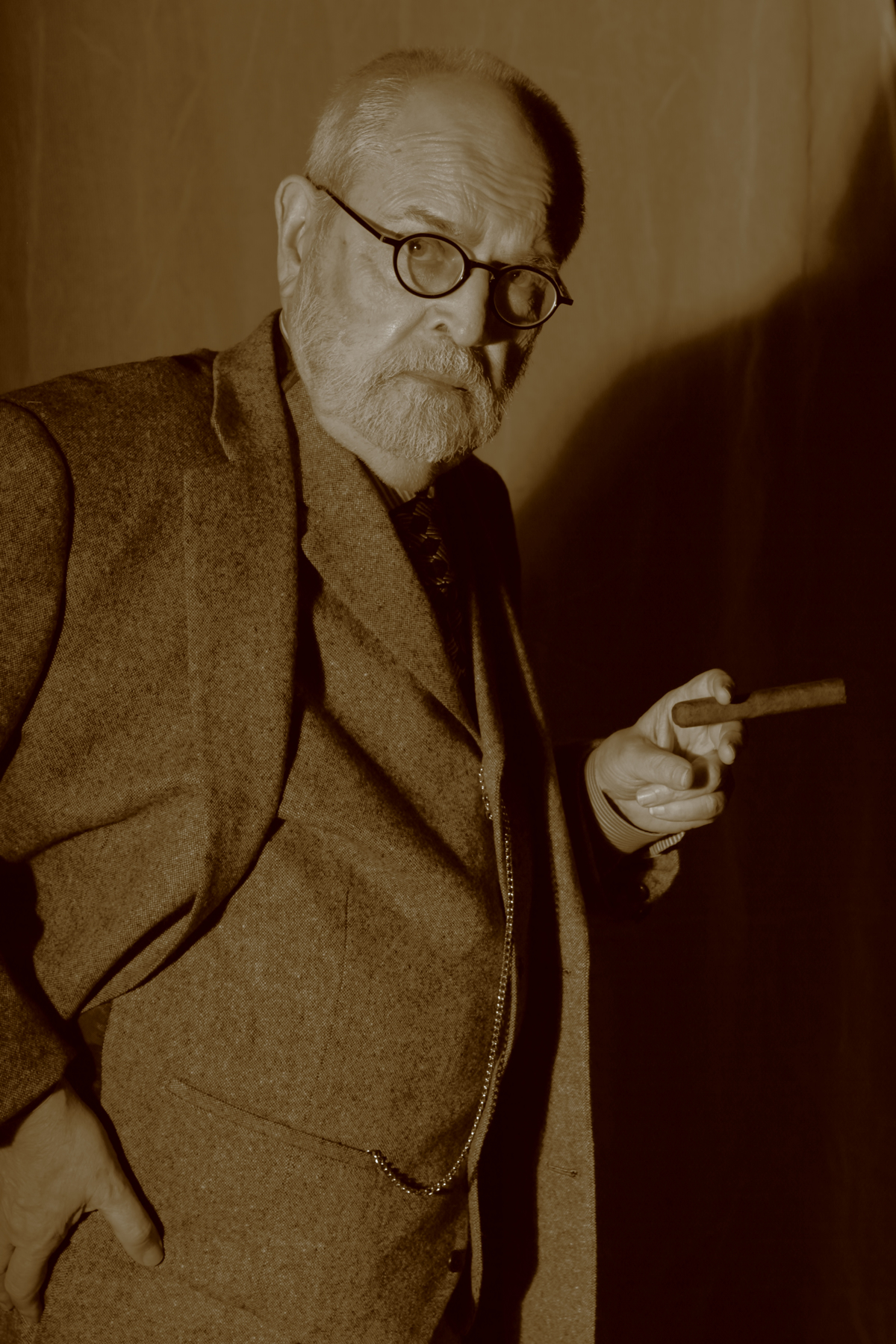 """Freud's Last Session"" opens tonight at Theatre 3"
