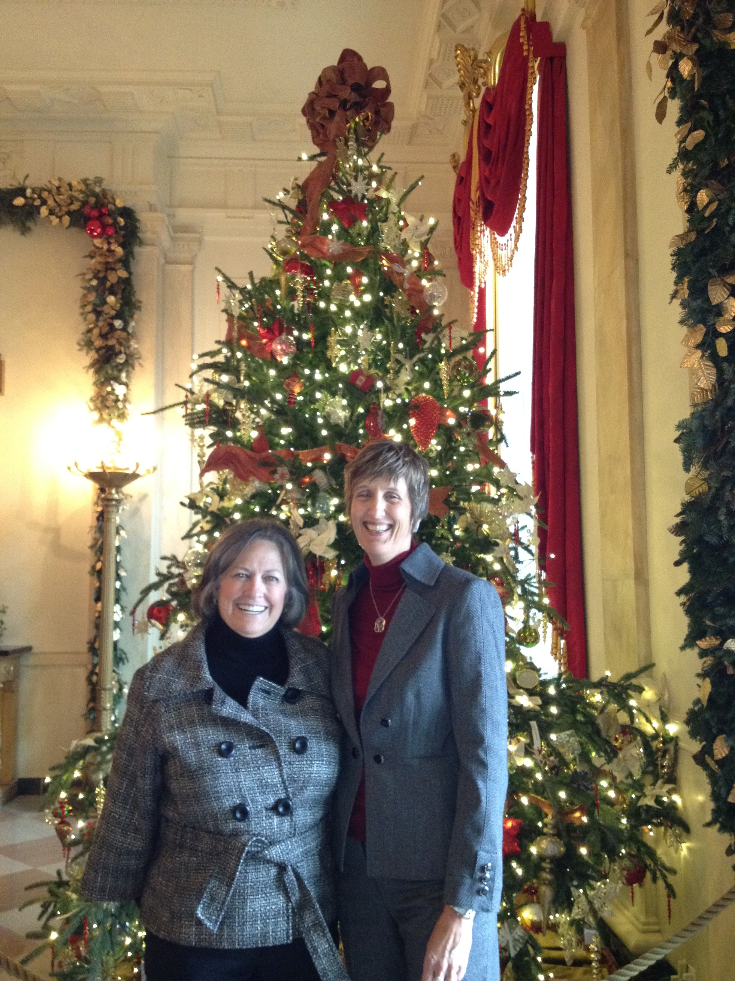 Resource Center's Cece Cox attends White House 'fiscal cliff' meeting