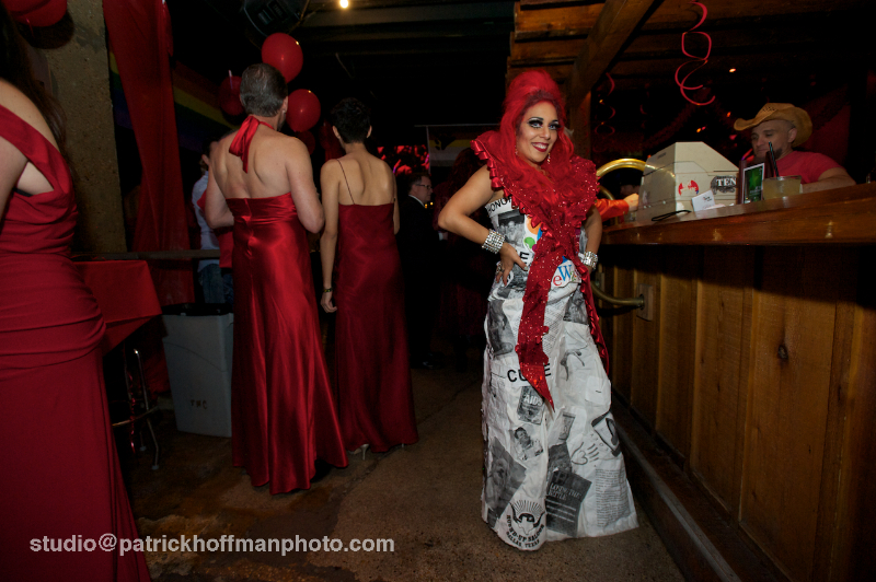 WM_Red_Dress_Party_2012_Queen_of_Hearts_2012_Patrick_Hoffman_All_Rights_Reserved  1114