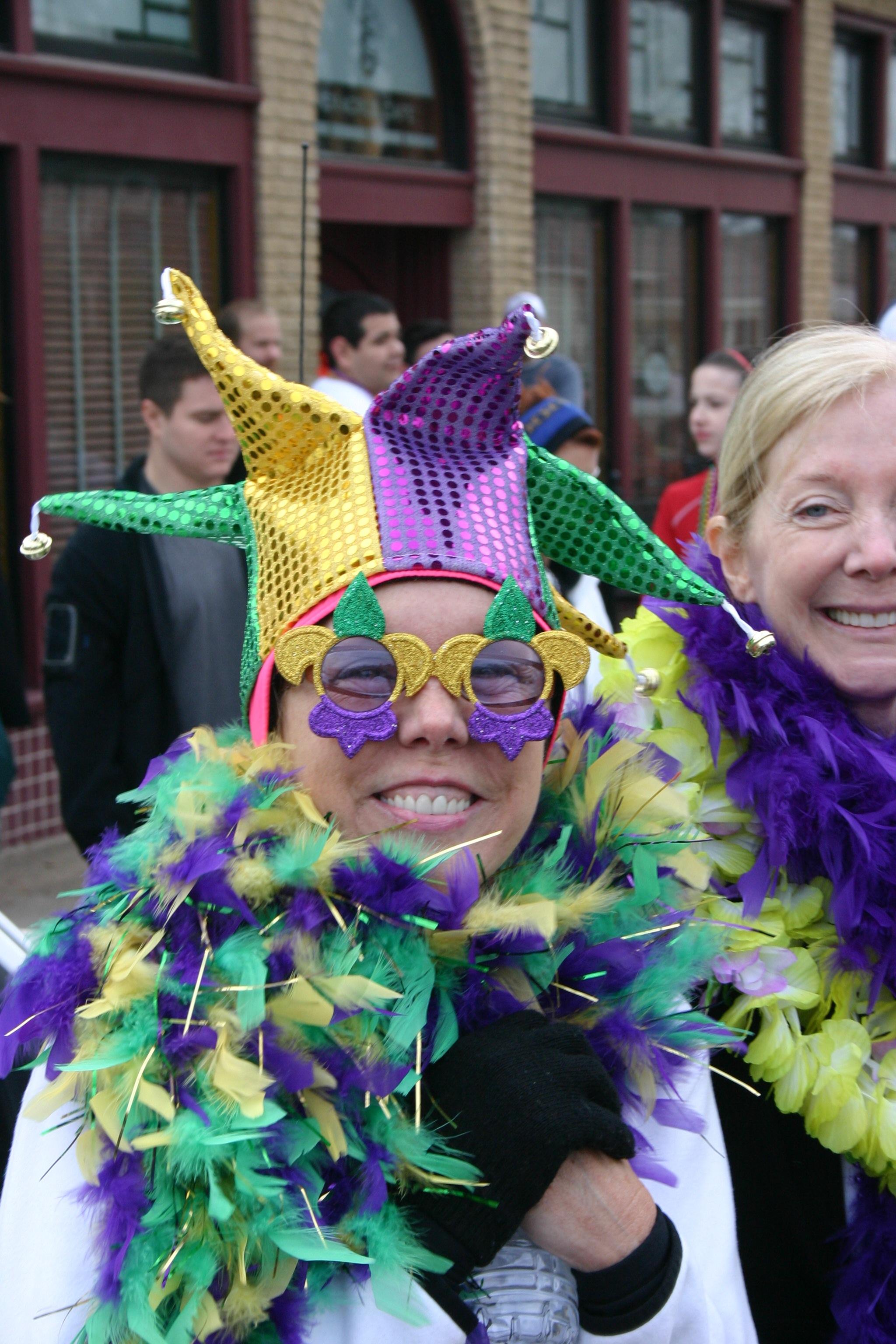 Dash for the Beads begins Oak Cliff Mardi Gras celebration