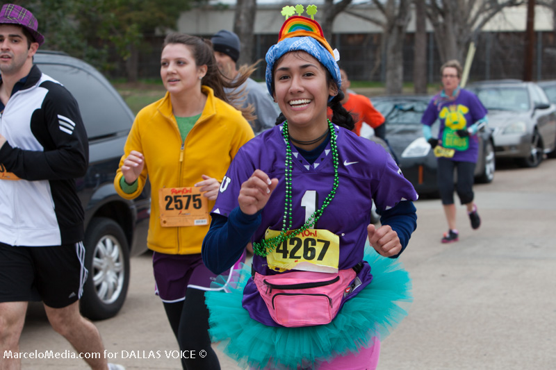 Dash for the Beads at Mardi Gras Oak Cliff