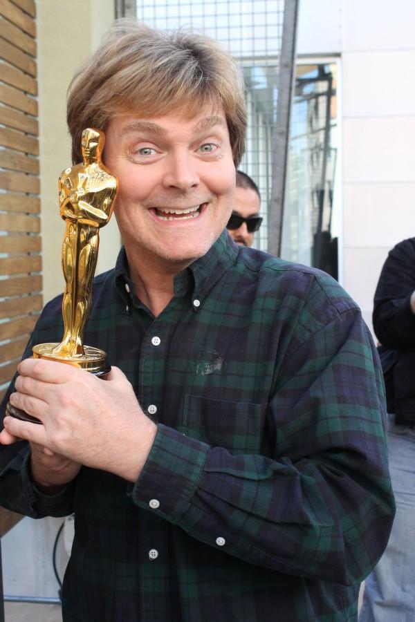 Holding gold — an Oscar in Dallas