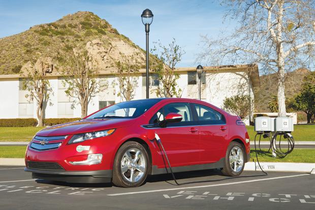 2012-Chevrolet-Volt-HOV-065
