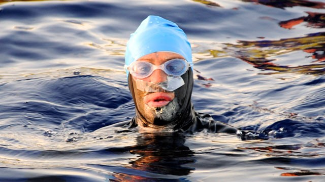 Queer athlete Diana Nyad sets awesome swimming record