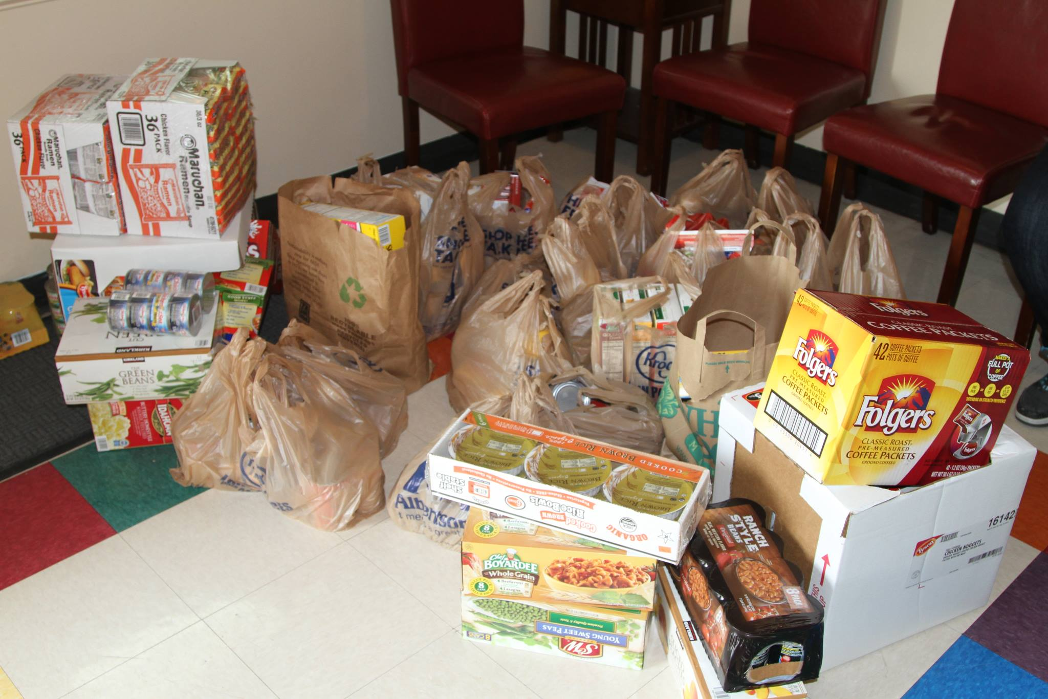 Resource Center food pantry benefits from emergency food drive