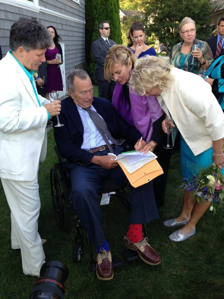 Former President George H.W. Bush, wife attend same-sex wedding in Maine