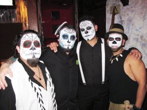 3-RUS-Robert_Damon_Patrick_and_Joey_at_Round_Up_on_Halloween_Night