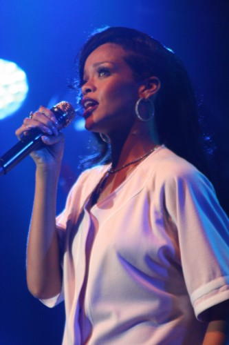 REVIEW: Rihanna (finally) at AAC