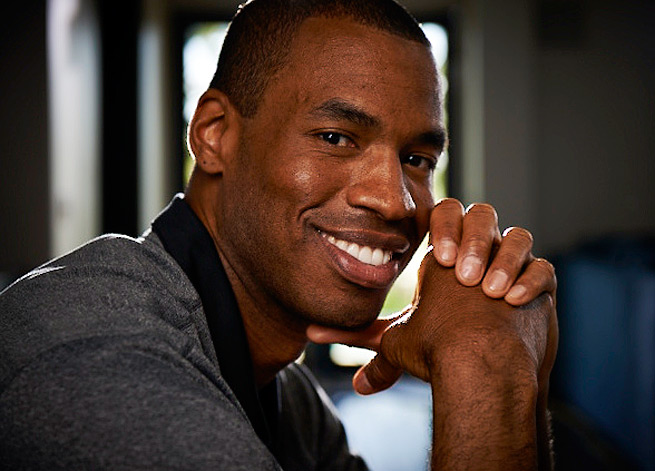 Jason Collins signs contract with Brooklyn Nets, becomes first openly gay player in NBA