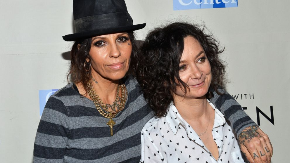 'Roseanne' star Sara Gilbert marries Linda Perry - Dallas ...