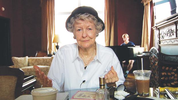 Broadway legend Elaine Stritch has died at 89