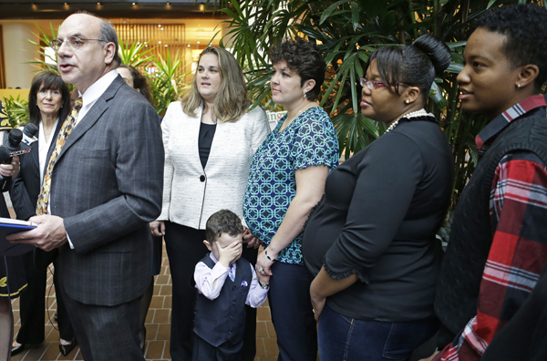 Judge to end Ohio ban on recognizing gay marriage