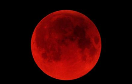 The moon shone red on Passover — Thanks Obama