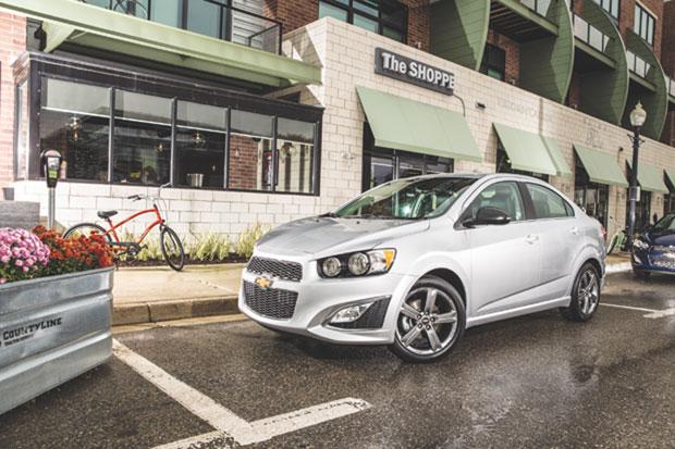 2015-Chevrolet-SonicRS-023