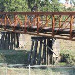 Bike bridge passes over Turtle Creek