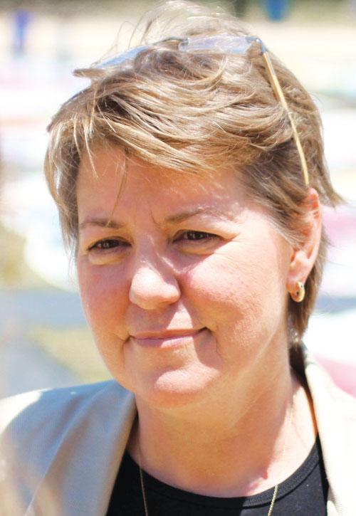 Julie-Rhodes