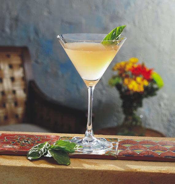 Cocktail Friday: Grapefruit Basil