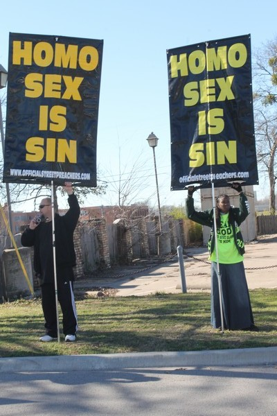 Protesters welcome Cathedral of Hope Sunday worshipers