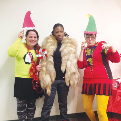 Volunteers-At-Holiday-Party-4