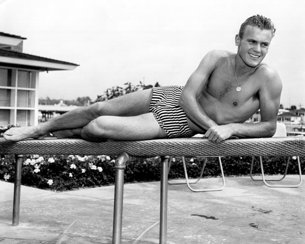 Tab Hunter, heartthrob who came out late in life, dies at 86