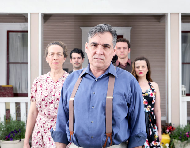 All-My-Sons.--(center)-Terry-Martin.--(l-r)-Diana-Sheehan,--Joey-Folsom,-Christopher-Cassarino,-Tabitha-Ray.--Photos-by-Kelsey-Leigh-Ervi