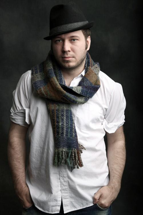 Librettist---Royce-Vavrek-photo-by-Ricardo-Beas