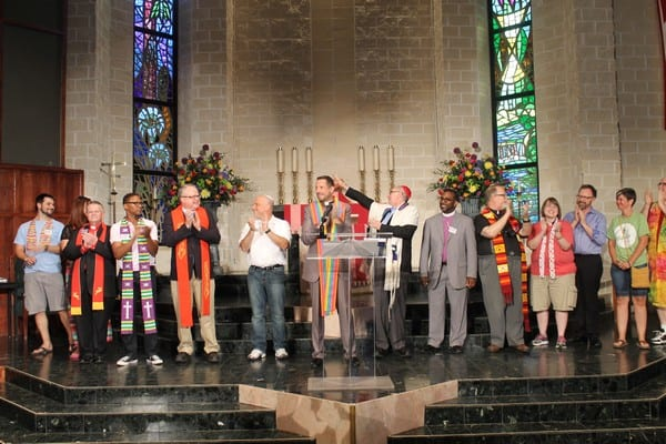 2,000 people pack Cathedral of Hope for marriage celebration