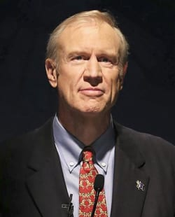 Republican candidate for governor of Illinois Rauner prepares to speak at a public forum at the University of Chicago