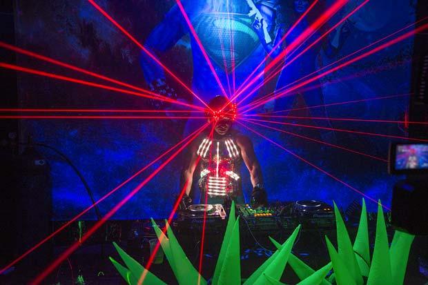 nemesis_dance_party_611