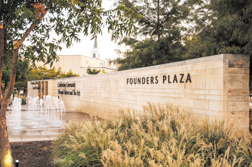 Arlington-Founders-plaza