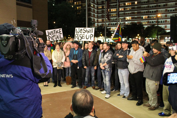 Protesters at DPD HQ demand continued police presence in Oak Lawn