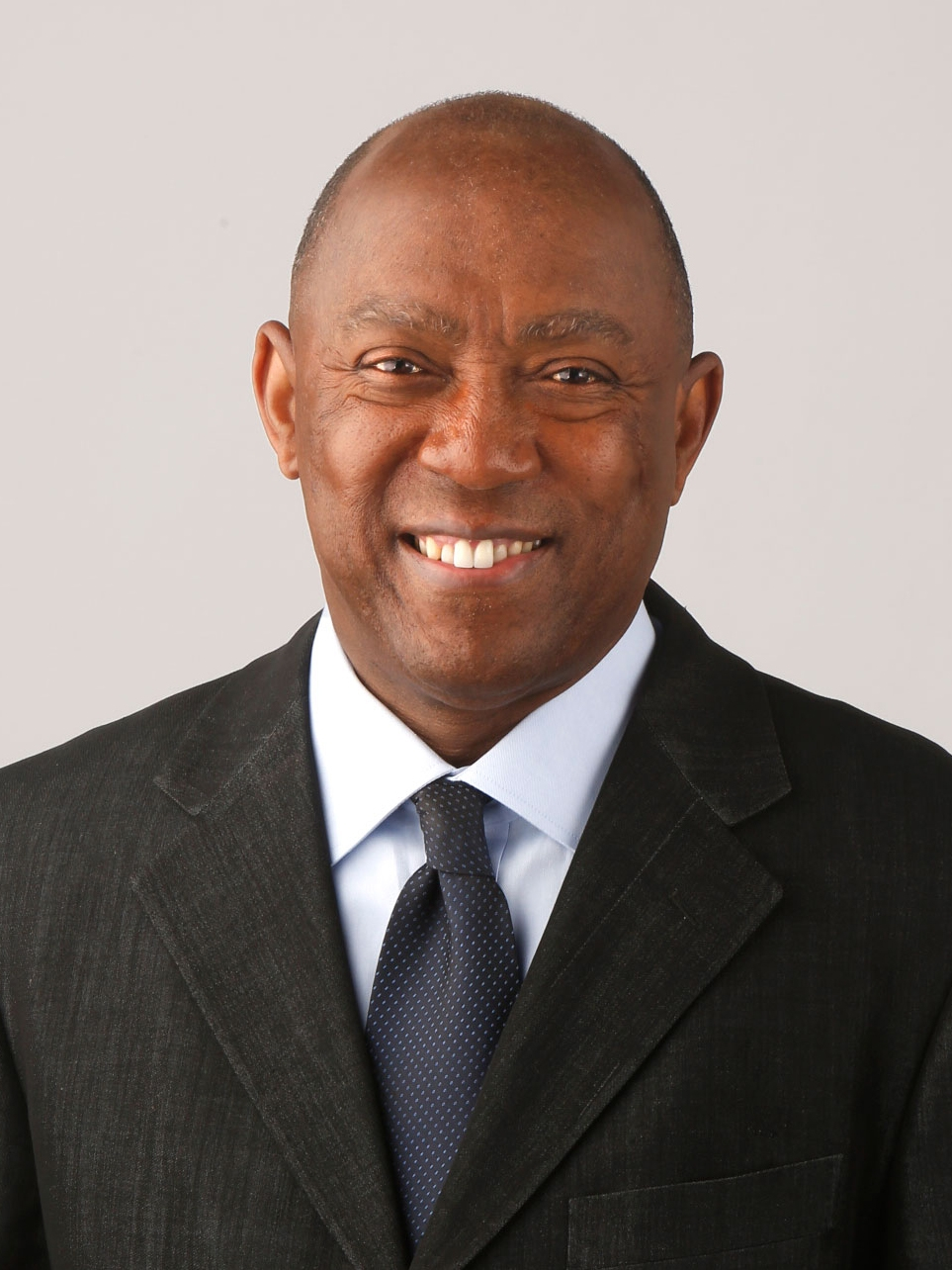 Rep. Sylvester Turner wins Houston mayoral run-off in nail-biter