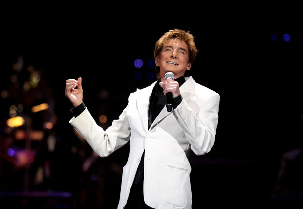 Manilow rushed to hospital, forced to cancel 2 concerts, no word yet on Dallas show