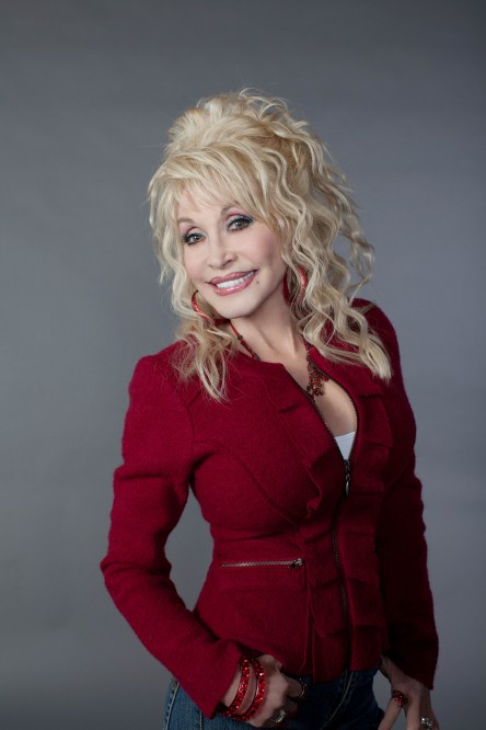 Gay icon Dolly Parton going on huge U.S. tour, releasing new double-disc CD