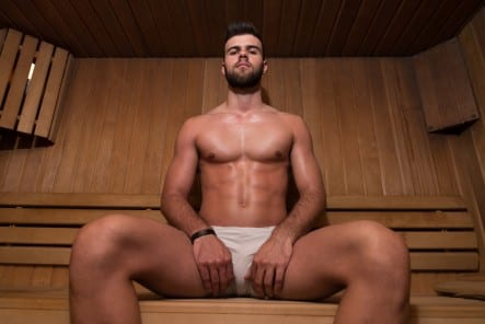 5 reasons you need to stop treating your gym like a bathhouse