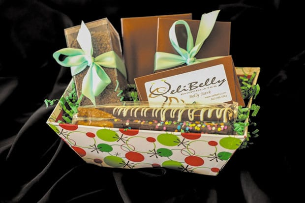 holiday-basket-with-drinking-chocolate