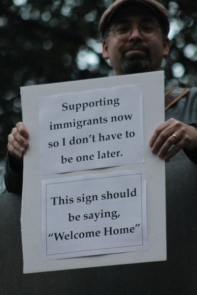Immigration rally in Thanksgiving Square promotes unity