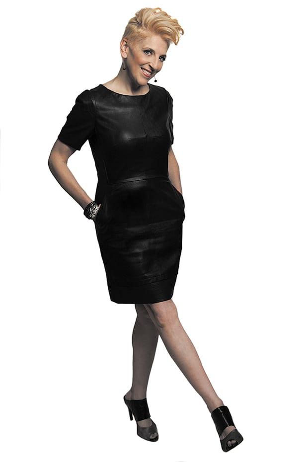 Lisa-Lampanelli-(Black-Dress)
