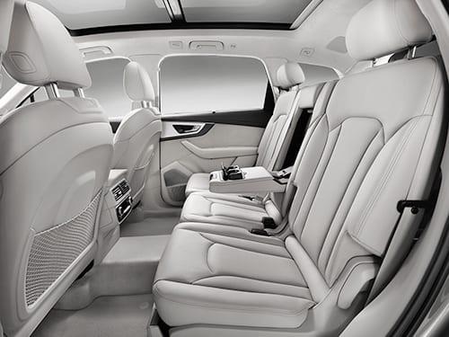 Audi-Q7-interior