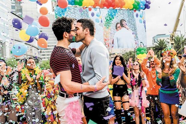 Sense-8-gay-kiss-Brazil