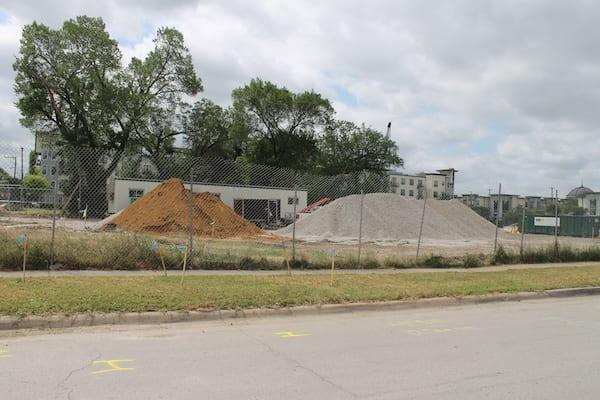 Another Oak Lawn block demolished