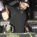 Eagle---Sergio-puors-the-drinks