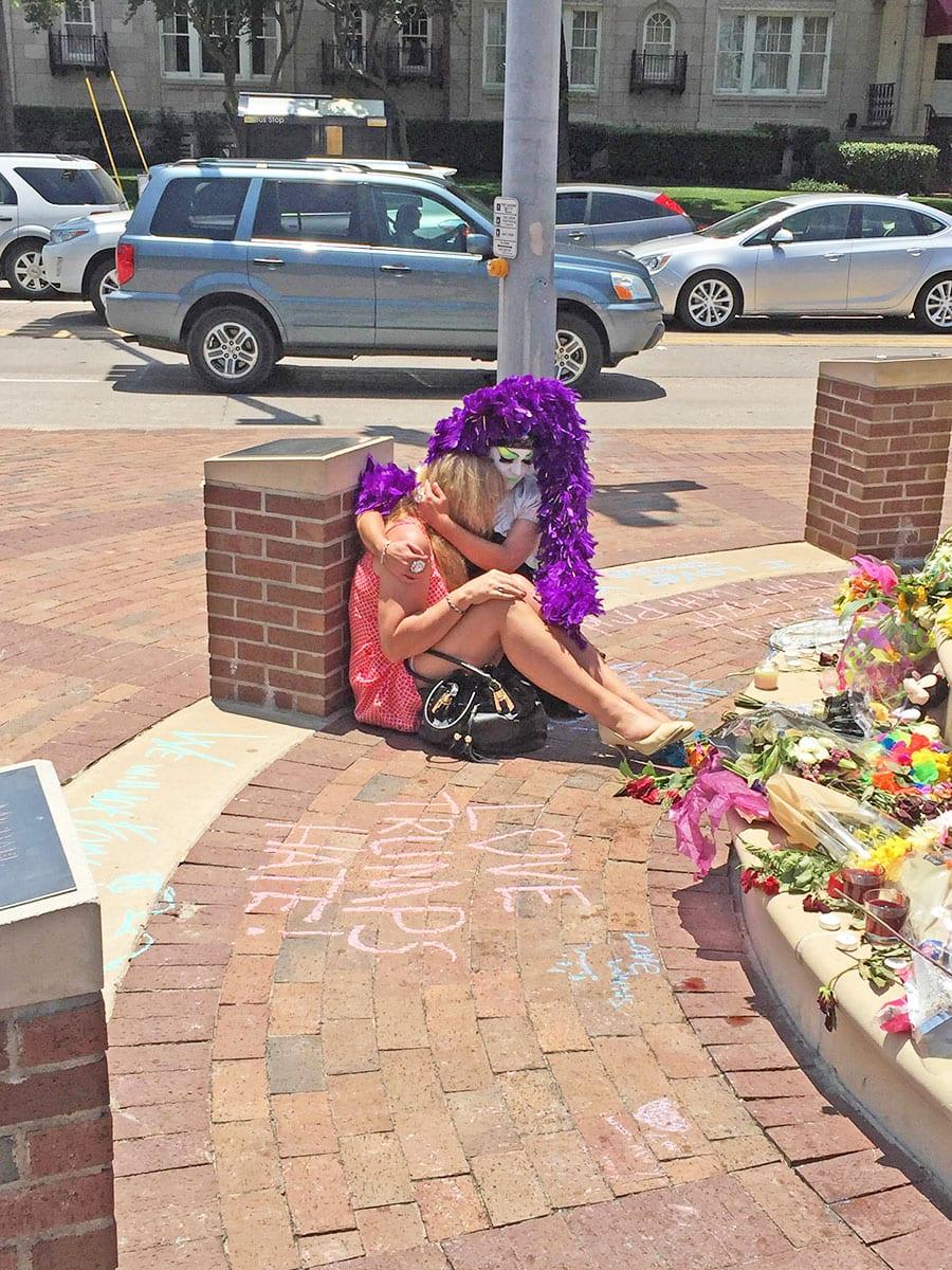 Fundraiser for Oak Lawn monument