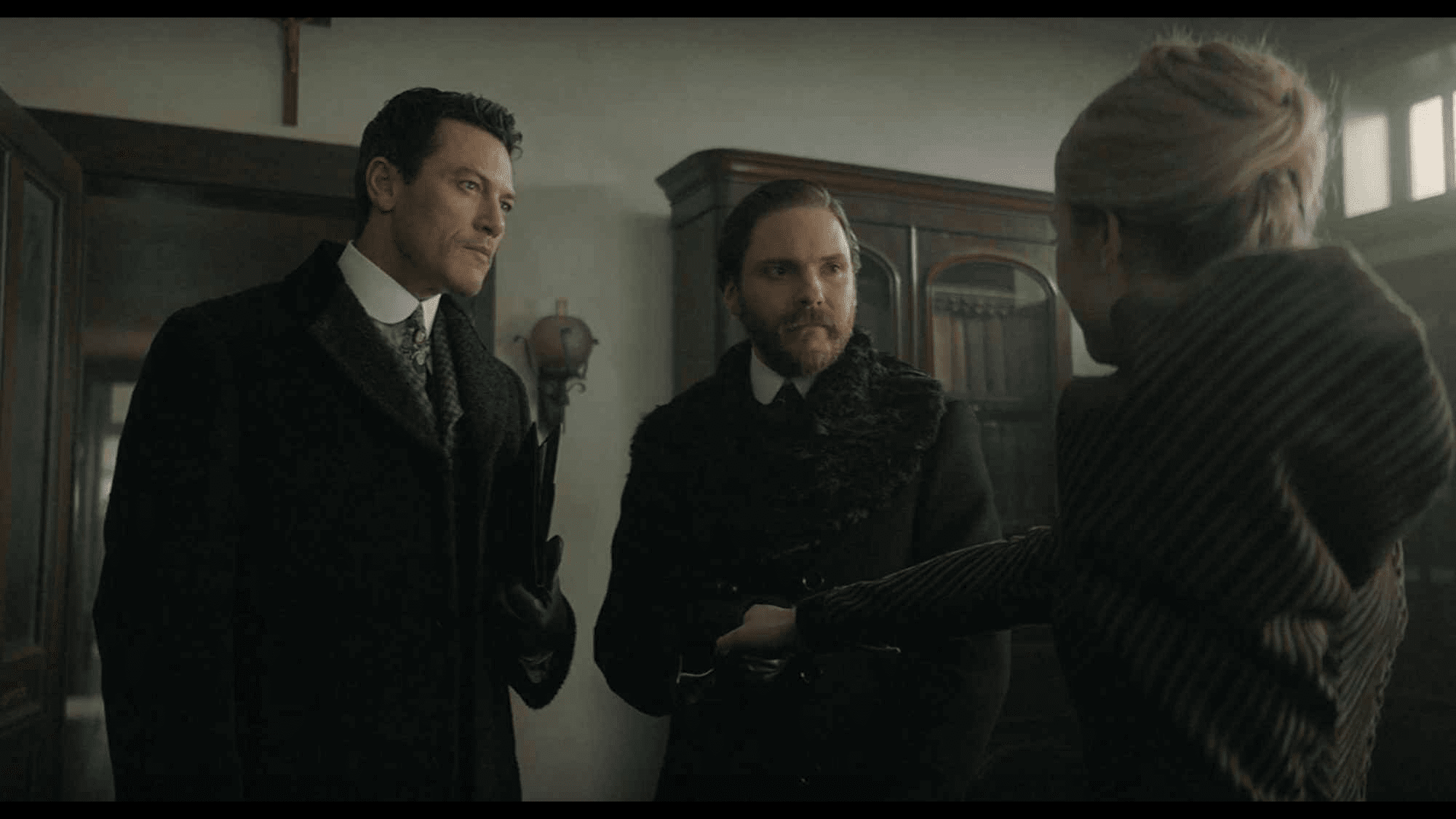 TV review: Long awaited, 'The Alienist' underwhelms